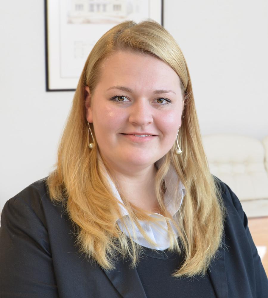 Dr. Schröder Melina Fragel