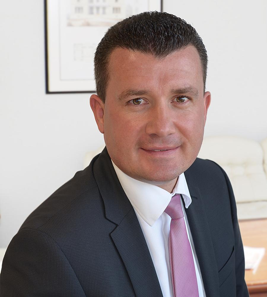 Dr. Schröder Denis Wucherpfennig
